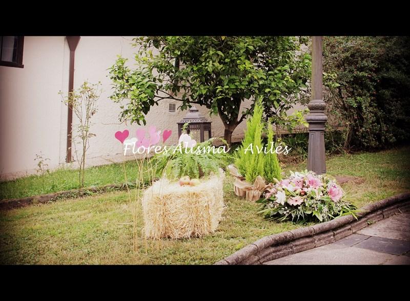 Decoración al aire libre de la boda de María & Iván en Illas
