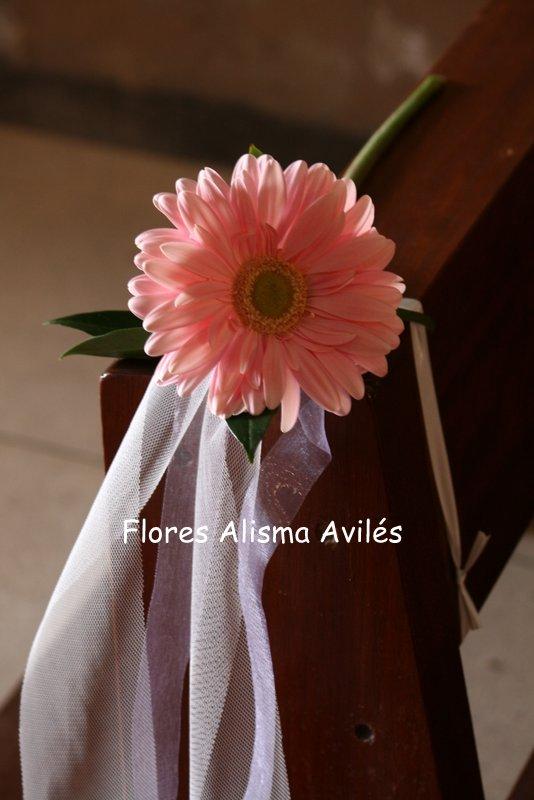 Decoración floral de iglesia para boda Decoración de banco