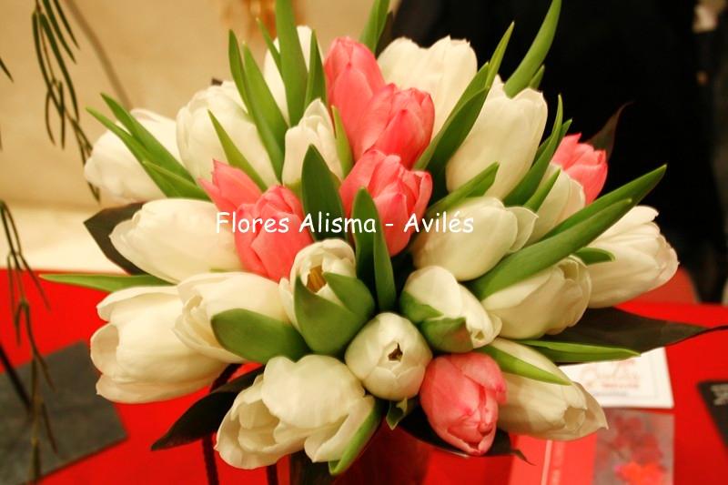 Ramo de novia Bouquet de tulipanes flores alisma