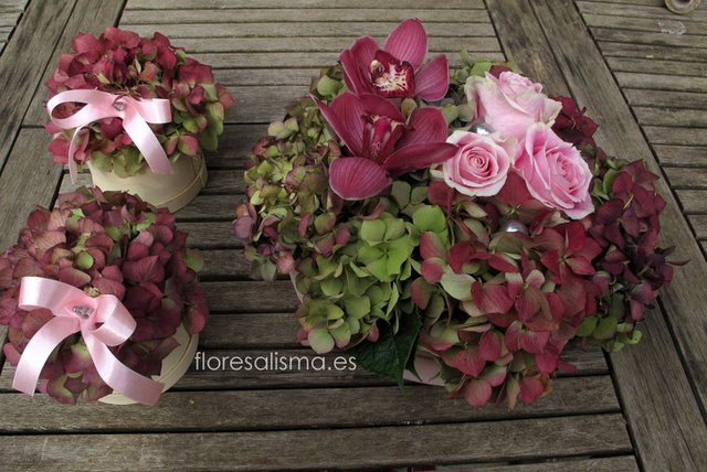 Centro de mesa.  Flores Alisma - Avilés -
