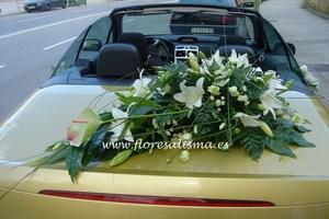 decoración de coche de novia