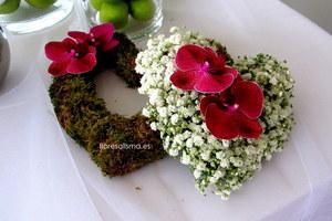 Corazones. Decoración de Flores Alisma para boda