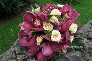Ramo de novia.  Flores Alisma - Avilés - Bouquet de cymbidium y rosas