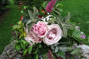 Ramo de novia campestre.  Flores Alisma - Avilés