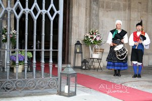 Decoración de boda en la Colegiata de Pravia